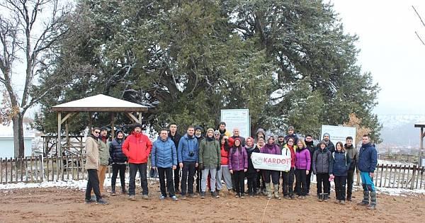 KARDOF'la Anıt Ağaçtan Gölete Yürüyüş