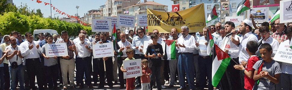 İSRAİL ZULMÜ KARAMAN'DA PROTESTO EDİLDİ