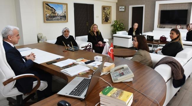 AK Parti Kadın Kollarından Kuntoğlu'na Ziyaret