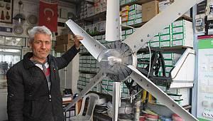 Elektrikçi R. Tekin Bahçesi İçin Rüzgar Gülünden Elektrik Üretti