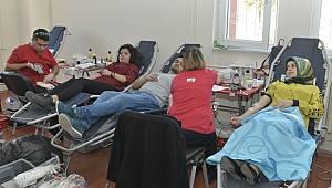 Esnaf Odaları Birliğinden Kızılay'a Kan Bağışı Kampanyası