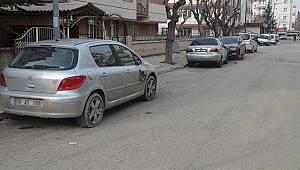 Karaman'da 6 Aracın Lastikleri Kesildi