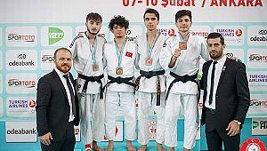 Karamanlı Enes Türkiye Şampiyonu oldu