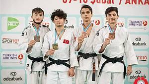 Karamanlı judocular madalyaya doymuyor