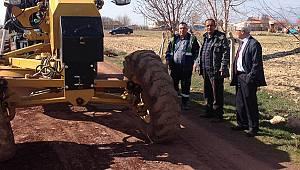 Yol bakım onarım ve kumlama çalışmaları devam ediyor