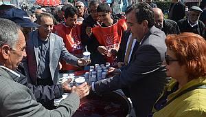 CHP'den Asker Yemeği Üzüm Hoşafı İkramı