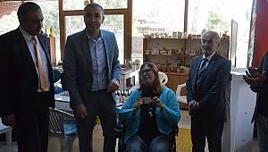 Engellilere satranç hakemlik kokartı verildi