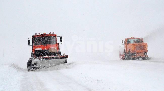 Karaman'da bu yollar kar nedeniyle trafiğe kapalı