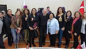 Karamanlılar Onkolog Yavuz Dizdar'ın programına yoğun ilgi gösterdi
