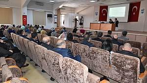 Bağımlılıkla mücadele konulu konferans verildi