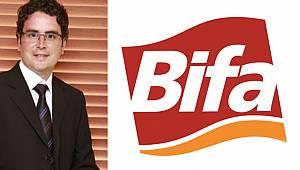 Alkan, ilk 500'e giren Bifa Bisküvi'yi kutladı