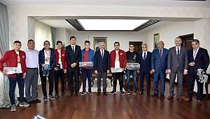 Karaman'da genç dâhiler ödüllendirildi