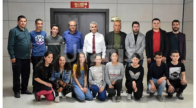 Öğrencilerden İl Müdürü Kurt'a ziyaret