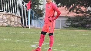 Karaman Belediyespor 4 oyuncuyu renklerine bağladı