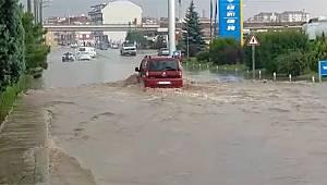 Karaman'da etkili olan yağmur hayatı olumsuz etkiledi
