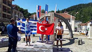 Balkanların En Büyüğü Azize Bekar