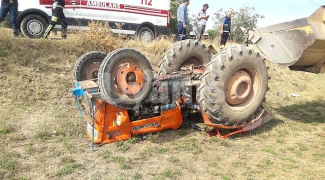 Devrilen traktörün altında kalan genç öldü