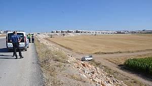 Karaman'da otomobil şarampole uçtu