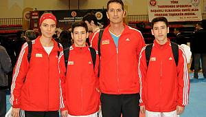 Taekwondo şampiyonasında madalya yıldızlarda