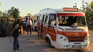 Karaman'da İki Minibüs Çarpıştı: 15 Yaralı