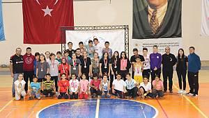 Karaman'da Badminton turnuvası düzenlendi