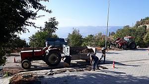 Kış Öncesi Yollarda Izgara ve Şarampol Temizliği Çalışması Yapılıyor