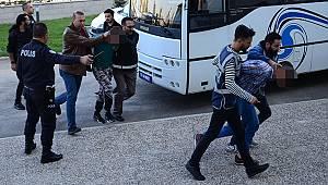Silahlı çatışmanın ardından gözaltına alınan 10 kişiden 2'si tutuklandı