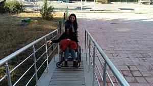 Karaman'da KYK'lı Gençler Engelli Kardeşlerini Unutmadı