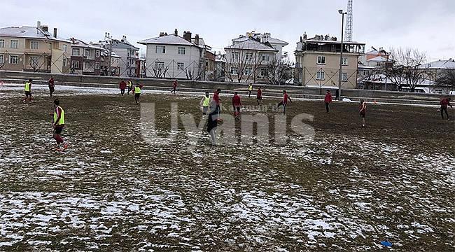 Karaman Belediyespor Bu Haftasonu Sezonun Liderlik Maçına Çıkacak