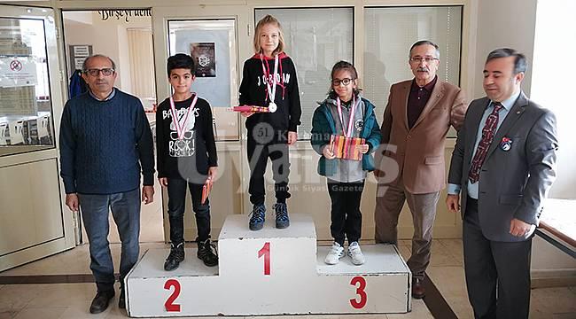Karaman'da Çalışan Gazeteciler Günü Satranç Şampiyonası Yapıldı