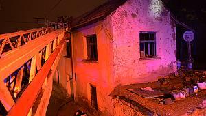 Karaman'daki Yangında İki Katlı Kerpiç Ev Kullanılamaz Hale Geldi