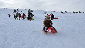 Kayak Severler Bozdağ Kayak Merkezine Akın Etti