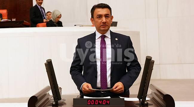 Ünver, Karamanlı Zübeyde Hanımı Meclis Kürsüsünde Andı