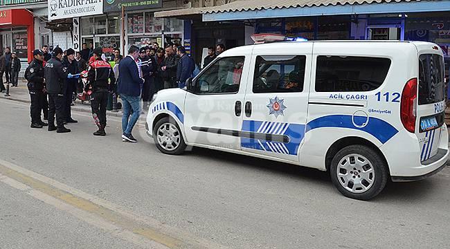 Kendilerini polis olarak tanıttılar gerçek polislere yakalandılar