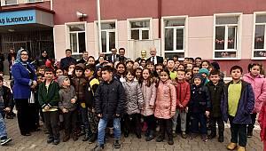 Vali Meral Mehmet Çavaş İlkokulu Ziyaret Etti
