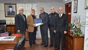 Emekli Olan Personellere Teşekkür Belgesi Verildi