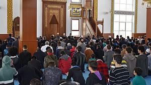 Öğrenciler Şehitlerimiz İçin Kuran-ı Kerim Okuyup Dua Etti