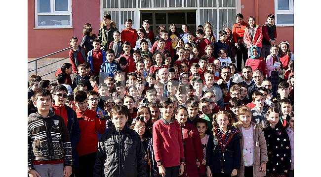 Vali Meral'den Mevlana Ortaokuluna Ziyaret