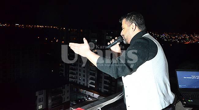 Karamanlı Ses Sanatçısından Balkon Konseri