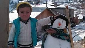 Kazada ölen çocuk doğum gününde toprağa verildi