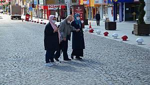 Karaman'da 65 yaş ve üstü sokağa çıktı