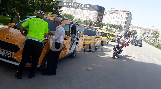 Karaman'da ticari araçlara yönelik Kovid-19 denetimi