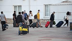 KKTC'den Gelen 288 Kişi Karaman'da Yurda Yerleştirildi