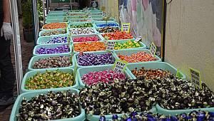 Sokağa Çıkma Yasağı Bayram Şekeri Satışlarını Kesti