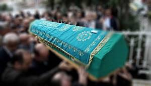 Karı koca bir gün arayla vefat etti