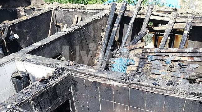 Yangında Ev Tamamen Yandı