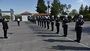 Vali Işık İl Emniyet Müdürlüğü ve Jandarma Komutanlığını ziyaret etti