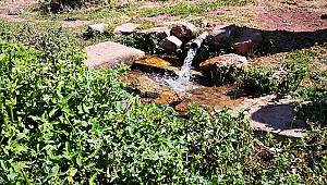Yollarbaşı Hacıbaba Dağındaki kaynaktan içme suyu olarak faydalanmak istiyor