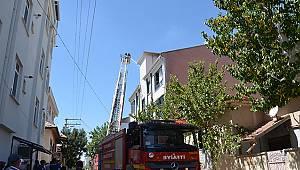 Karaman'da çatıda çıkan yangın korkuttu