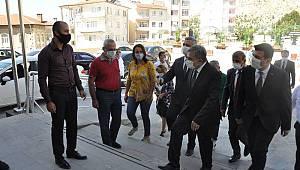 Vali Işık Ermenek Belediyesini ziyaret etti